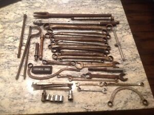 Large Lot Of Vintage Snap on Blue Point Cornwell Mac Wrenches Breaker Bar