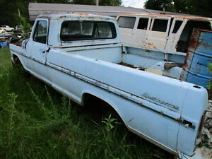 67 72 Ford F100 Truck Left Driver Steering Spindle Knuckle Bare 68 69 70 71
