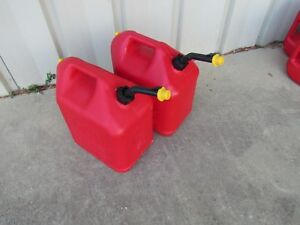 2 Blitz 5 Gallon Plastic Vented Gas Fuel Can Spout With Yellow Cap