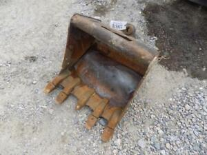 24 Excavator Bucket quick Coupler Came Off A John Deere 35d Will Fit Others