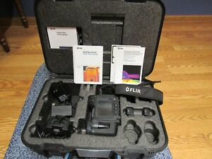 Flir Infrared Camera T420 W case And Paperwork