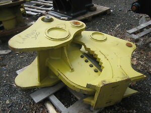 Mechanical Stump Splitter For An Excavator With Quick Coupler