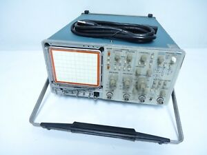 Tektronix 2465 Laboratory Benchtop 4 channel 300 mhz Oscilloscope System Unit