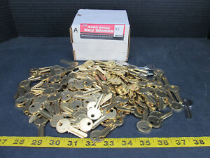 Lot Of 190 Brass Nickle Key Blanks Curtis Y1 Code 04003 Ultra Hardware Skuags