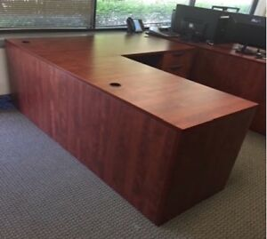 L Shaped Cherry Color Executive Desk In Excellent Condition