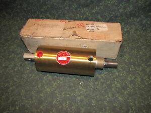 New Allenair A sr f 3x2 single Acting Spring Return 3 Bore 2 Stroke 41435 c