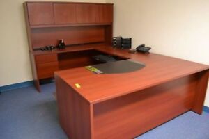 U shape Office Desk With Bookcase