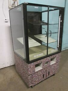 structural Concepts H d Commercial Lighted Self serve Dry Bakery Merchandiser