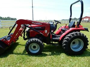 Mahindra 2538 Tractor And Loader