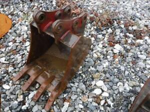 Tag 18 Tooth Bucket For Takeuchi Tb135 Mini Excavators May Fit Others S 60932