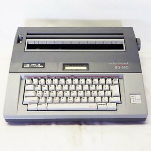 Smith corona Sd 650 Portable Electronic Memory Typewriter
