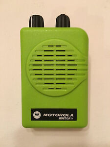 Motorola Minitor V 5 Low Band Pagers 33 37 Mhz Sv 2 chan Apex Green W Charger