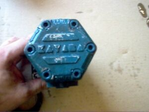 Kubota L260p Hydraulic Pump Part With Drive 32270 36103