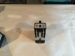 Square D Control Relay 8501x033 W Base X44 Used