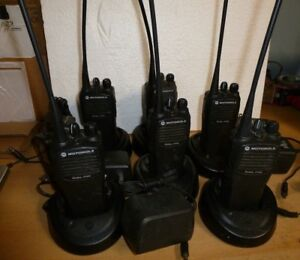 6 Motorola Cp200 4 channel Uhf Two way Radios And 6 Rapid Chargers