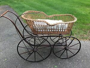 1800 S Antique Wicker Baby Carriage Buggy Stoller