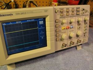 Tektronix Tds2012 2 Channel Digital Color Oscilloscope 100mhz s Bw 1ghzmss