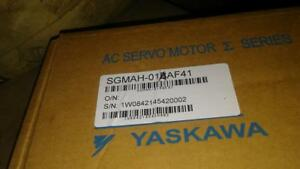 New In Box Yaskawa Ac Servo Motor Sgmah 01baf41