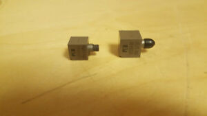 mixed Lot Of 2 Pcb Piezotronics U333a32 U333a30 Accelerometers