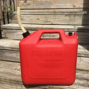 Wedco 6 6 Gallon Vented Gas Can Red With Spout Essence