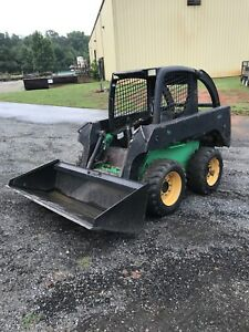 John Deere 240 Skid Steer Rubber Wheel Loader