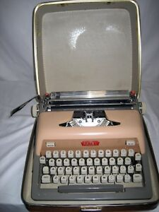 Refurbished Royal 800 Manual Typewriter W hard Case W warranty