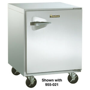 Undercounter Freezer 1 Door 27 w 7 1 Cu Ft Capacity Right Hinge