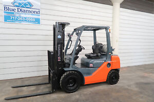 2012 Toyota 8fgu25 5 000 Pneumatic Tire Forklift Dual Fuel 3 Stage 1527 Hr