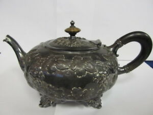 Barbour Silver Co Antique Silverplate 47 Grape Theme Teapot 4 Ftd Xlnt Cond