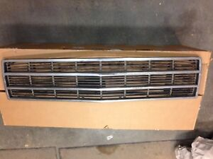 Jeep Grand Wagoneer Grille