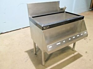 perlick Ts30icb H d Commercial nsf 30 w 8 Circuits Cold Plate Ss Ice Bin