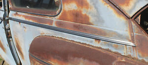 1946 1947 1948 Ford Deluxe Right Left 1 4 Quarter Moldings Pair 2 Door Sedan