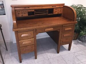 Antique Roll Top Desk Beautiful Condition Quarter Sawn Oak Works Great