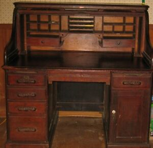 Antique Oak S Roll Top Desk With Full Interior 1930 S Or Earlier 49 5 High