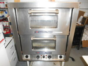 Bakers Pride 44s Pizza Oven