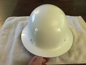 Msa Skullgard Full Brim Hard Hat With Ratchet Suspension White