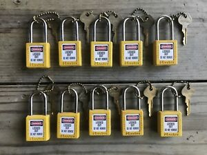 10 Master Lock Safety Lockout Tagout 1 5 Shackle 1 75 Yellow Body Used