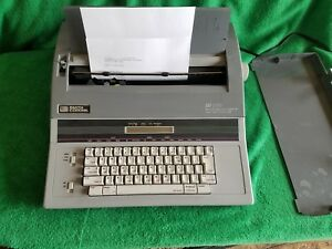 Smith Corona Sd 770 Electric Typewriter Works Word Process Spell Right