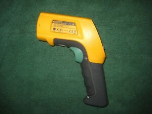 Fluke 566 Ir Infrared Thermometer Lcd Display W Laser