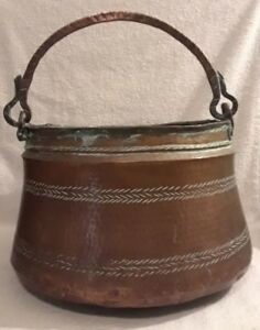 Very Decorative Large Antique Hammered Copper Pot Cauldron With Copper Handle