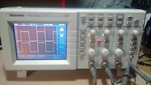 Teltronix Tds2012 Portable 2 Ch 100mhz 1gs s Digital Real time Oscilloscope