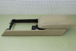 2008 08 Cadillac Xlr Center Console With Arm Rest Lid