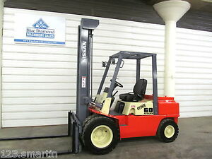 Nissan 6 000 Diesel Pneumatic Tire Forklift Tall 3 Stage S s 8fgu30