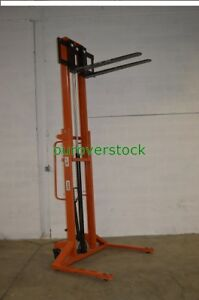 Straddle Manual Stacker 2 200 Lb 118 Lift Height