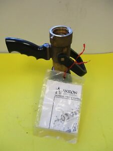 Akron Brass Firefighting Nozzle 1 1 2 Nh 95 Gpm 100 Psi P n 30192012
