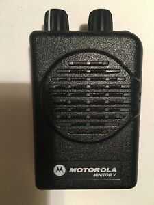 Motorola Minitor V 5 Low Band Pagers 45 49 Mhz 2 frequency Non stored Voice
