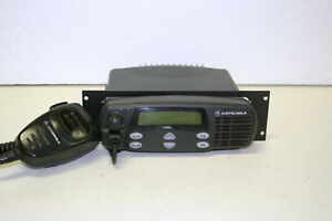 Motorola Cdm1250 Vhf Mobile Radio 136 174mhz 64 Channel With Aarmn4025 Mic