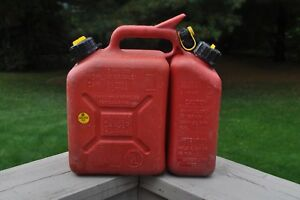 Vintage Chainsaw Gas Can W 150 Wedco 1 5 Gallon Vented Gas Can Dual Spout