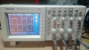 Tektronix Tds2012 Portable 2 Ch 100mhz 1gs s Digital Real time Oscilloscope