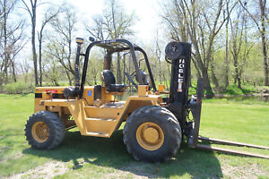 Cat Noble 10 000 Rough Terrain Forklift Three Stage Sideshift Fork Position